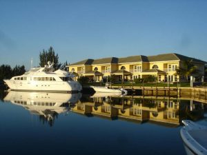 Dock For Rent At Private Dock in Bell Channel Bay, Grand Bahama. SHORE POWER INCLUDED