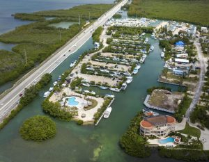 Dock For Rent At MANATEE BAY CLUB MARINA KEY LARGO-40 Foot Slip Minutes from Gilbert's
