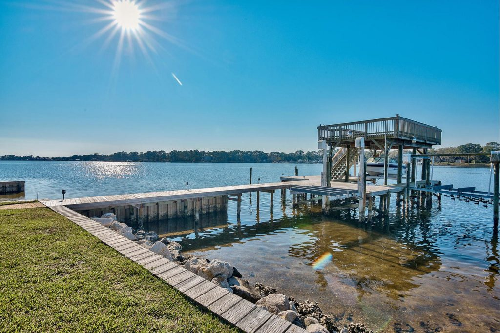 Featured Image of Dry slip boathouse in Fort Walton Beach, near Crab Island